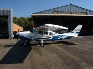 Leading Edge Aviation - Aircraft repair and servicing - 2010 photo's 205